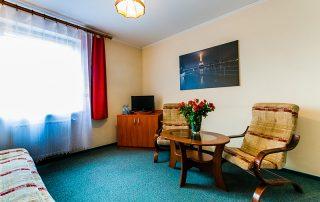 Hotel Zielonki, Stare Babice. Wygodny Hotel. Czyste Łazienki. Apartament z aneksem kuchennym