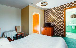 Hotel Zielonki, Stare Babice. Pokój dwuosobowy typu DOUBLE (z jednym podwójnym łóżkiem) Hotel Zielonki pod Warszawą